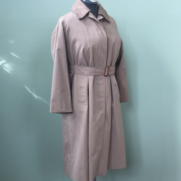 Burberry Women's Coat (Removable Collar & Lining)